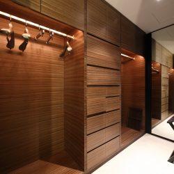 Closet 2 shutterstock_188954003